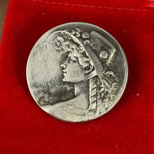 Vintage Jewelry - Vintage Fine Pewter Ladies Broach or Pendant